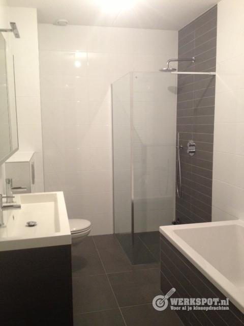 Plaatsen en betegelen badkamer/toilet - Werkspot