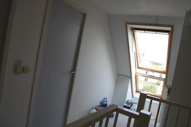 Zolder in 2 kamers verdelen dakraam vlizo naar vliering werkspot - Furbishing een kamer op de zolder ...