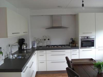 Tegels keuken zetten stucen muur koof werkspot - Keuken met cement tegels ...