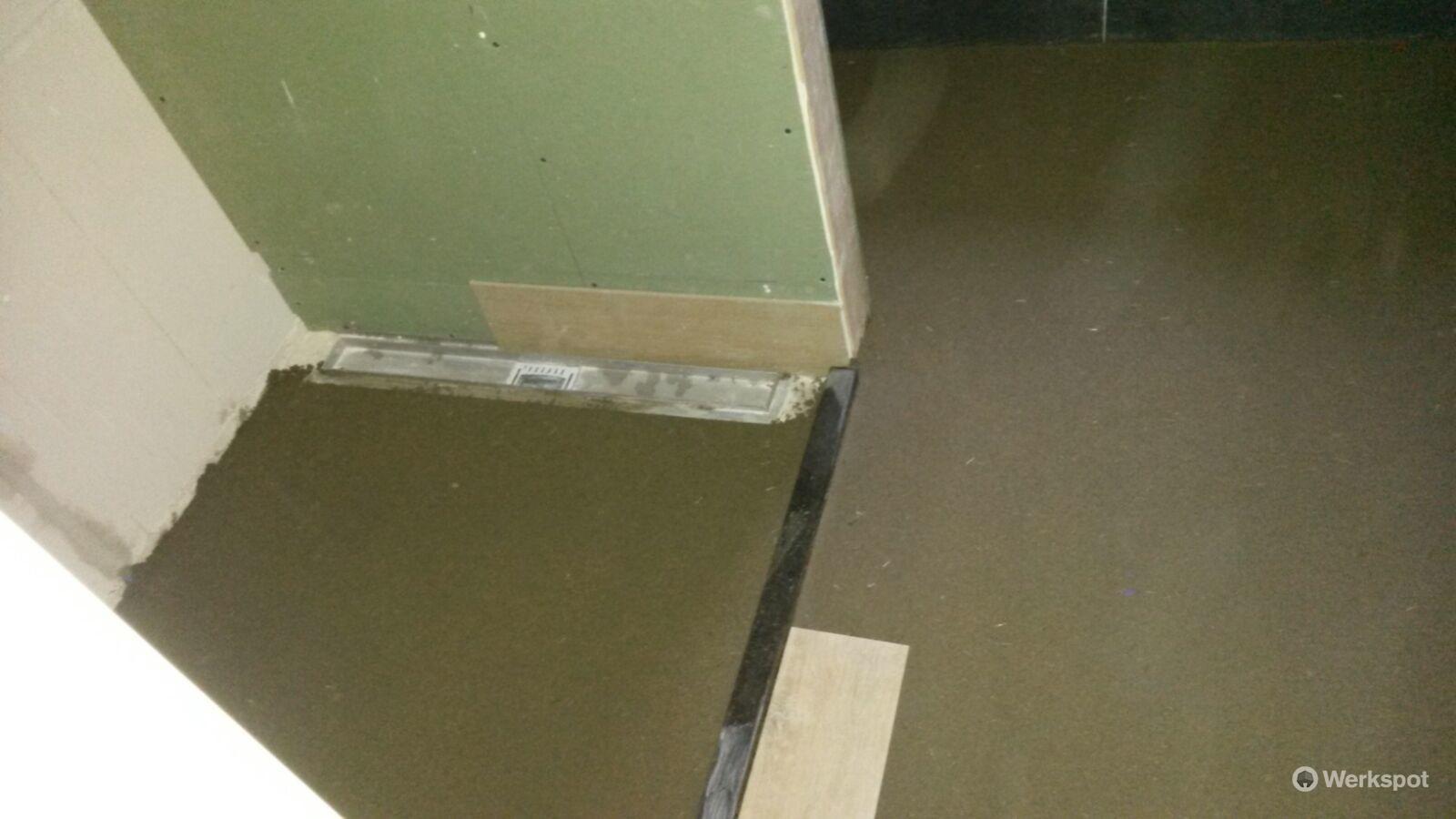 Badkamer Vloer Storten : Badkamervloer storten m² werkspot
