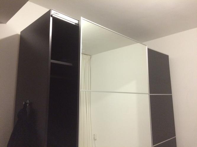 Kast Met Schuifdeuren : Ikea kast pax probleem met de schuifdeuren werkspot