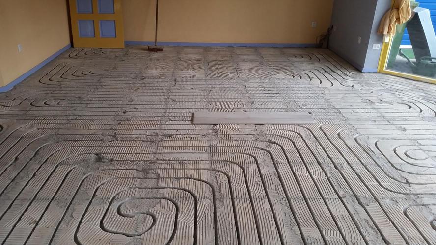 Het leggen van m² keramisch parket en m² plavuizen