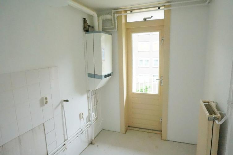 Keuken Badkamer Vloeren : Verbouwing appartement m o a keuken badkamer vloer werkspot