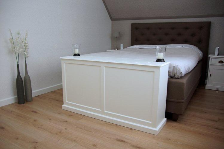 Tv Kast Bed.Kast Voeteneind Bed Met Tv Lift Werkspot