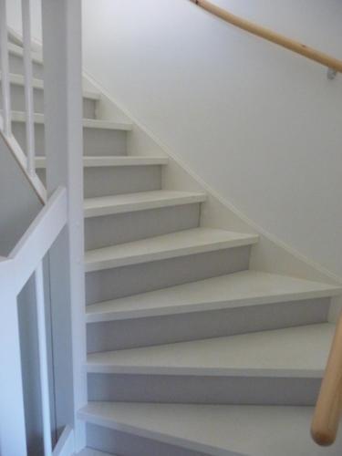 Open trap naar zolder dichtmaken werkspot for Trap mooi maken
