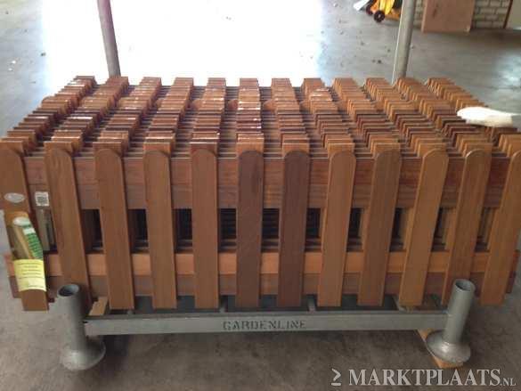 Hekjes Voor Tuin : M zijtuin voorzien van split mtr houten hekje plaatsen