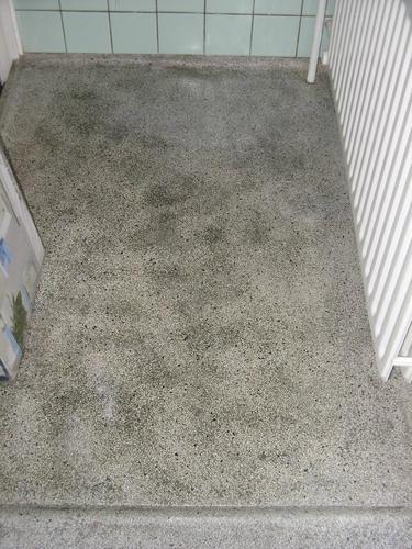 Granieten badkamer vloer opknappen - Werkspot