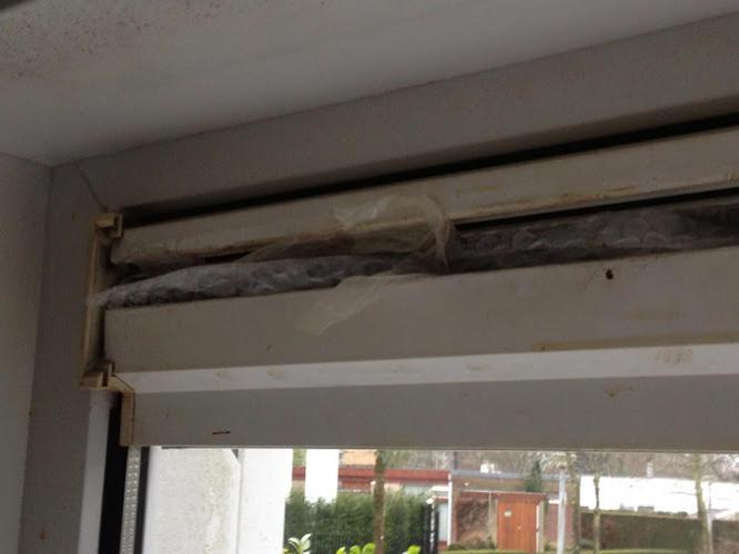 Top Ventilatierooster boven raam vervangen - Werkspot AR69