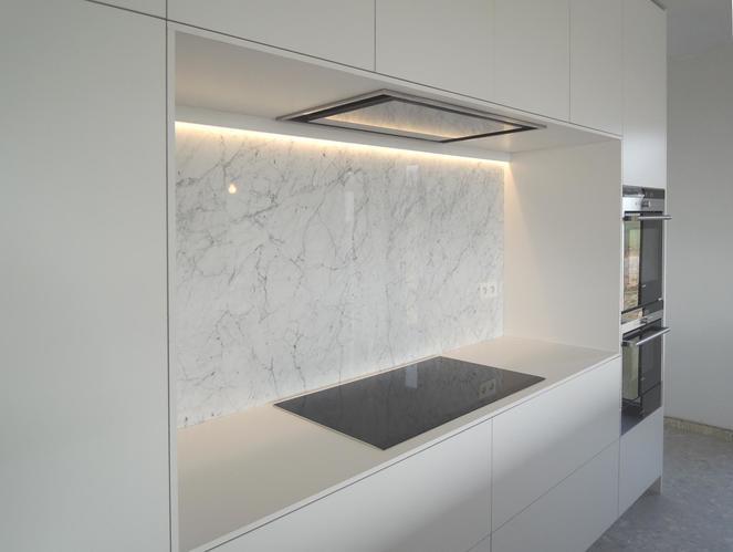 Leveren en monteren wit marmeren spat wand keuken werkspot for Keuken marmer blad