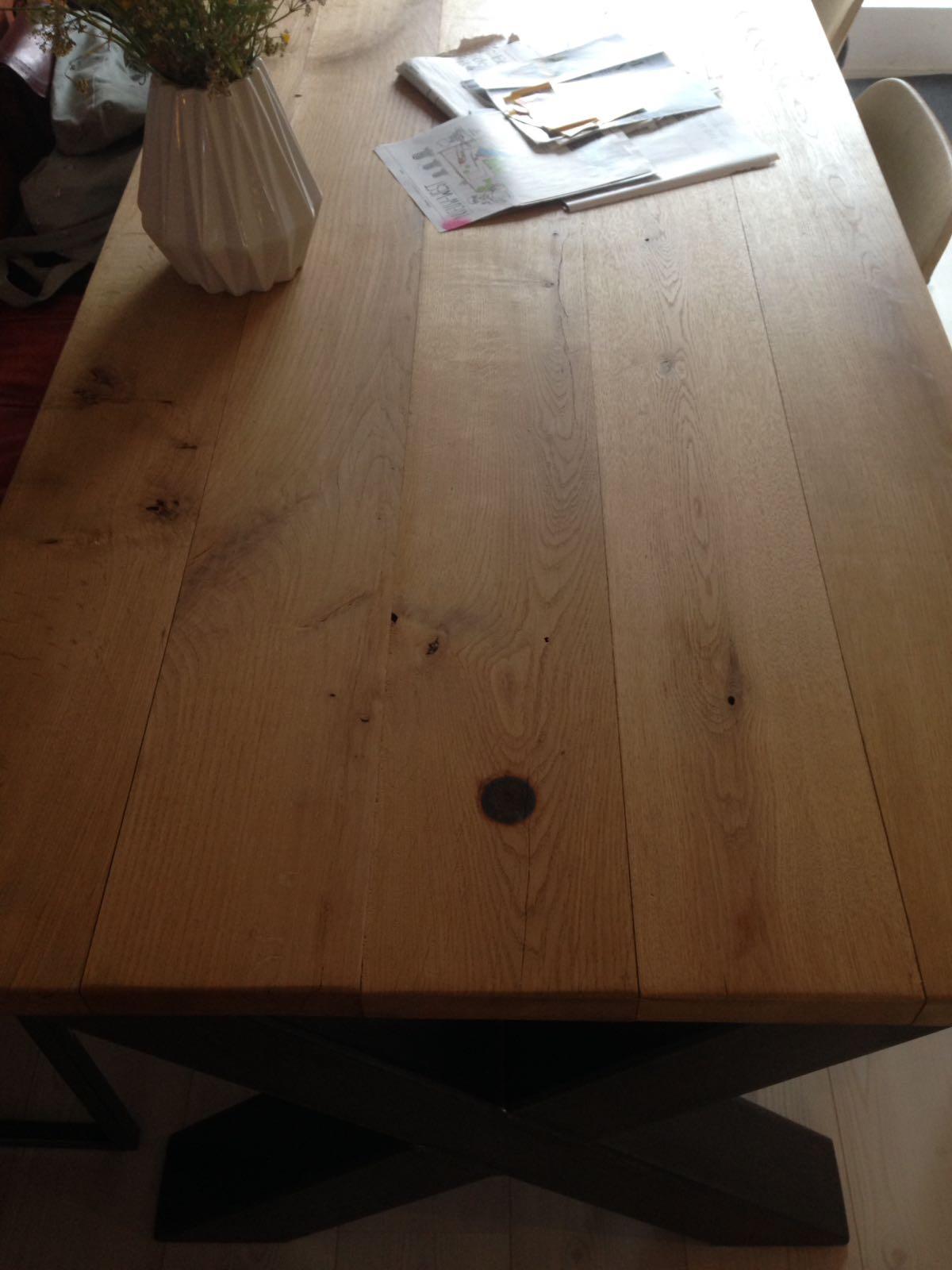 Eikenhouten tafelblad schuren en evt lakken werkspot for Tafel schuren en olien