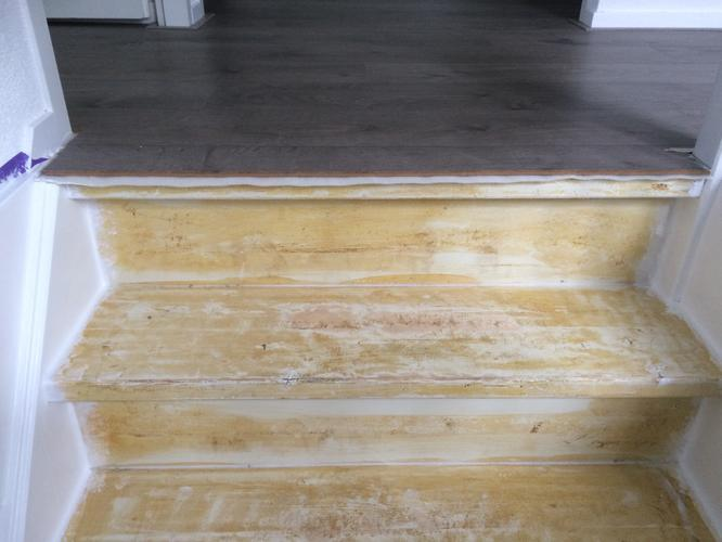 Aansluiting laminaat trap: bouman vloerservice doetinchem houten