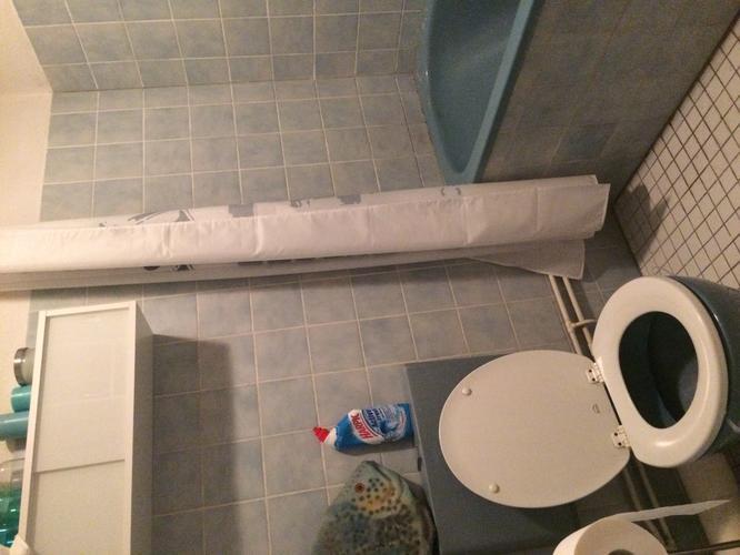 Hangend Toilet Badkamer : Hangend toilet plaatsen incl afwerking plus badkamer tegelen
