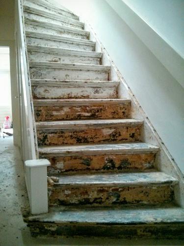 Oude trap schilderen jaren 30 woning werkspot - Schilderen muur trap ...