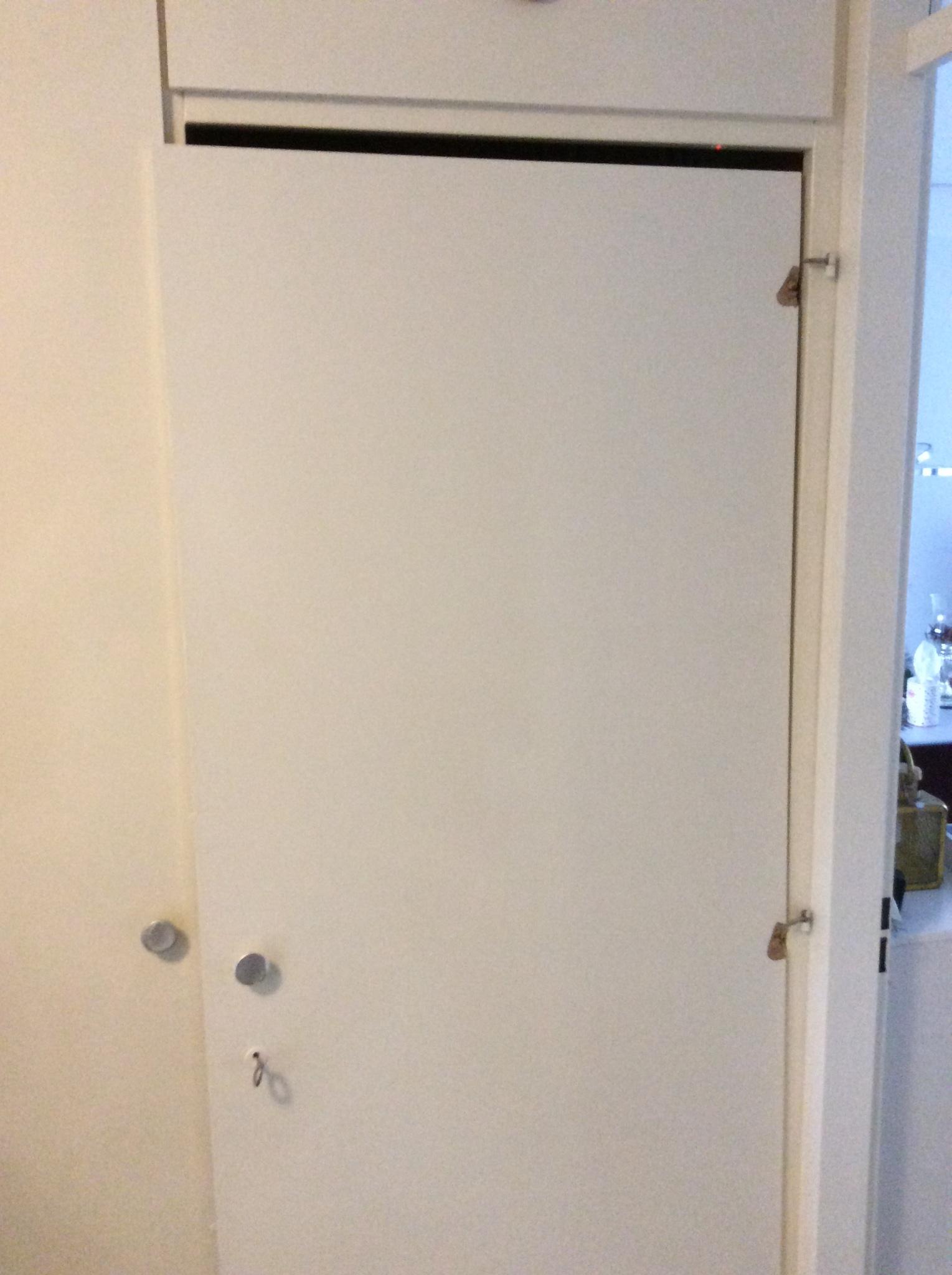 Bekend Deur van de MeterKast vervangen, bij scharnier punten is hout ZB73
