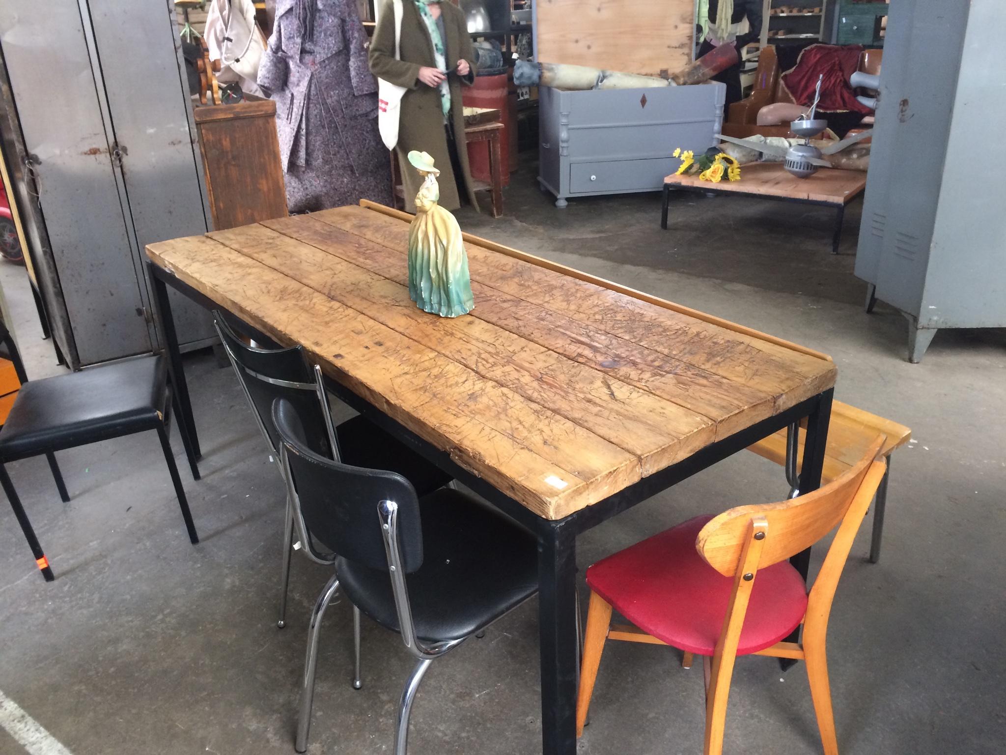 Krassen Tafel Verwijderen : Houten tafel opschuren krassen opvullen en lakken werkspot