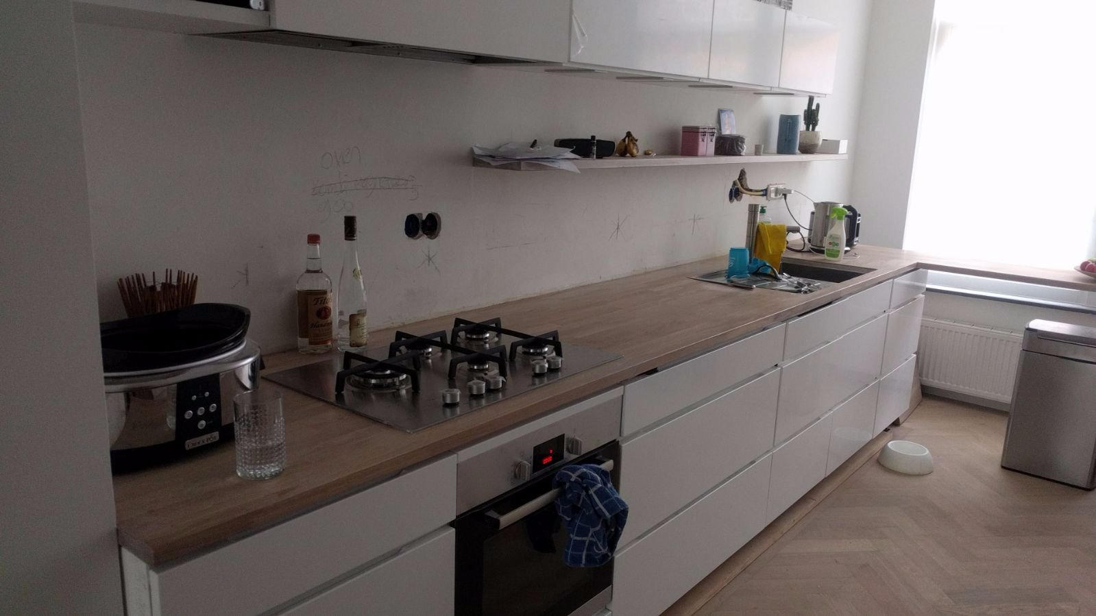 Tiling backsplash in kitchen