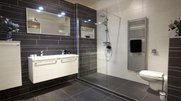 badkamer en wc verbouwen  tegelen