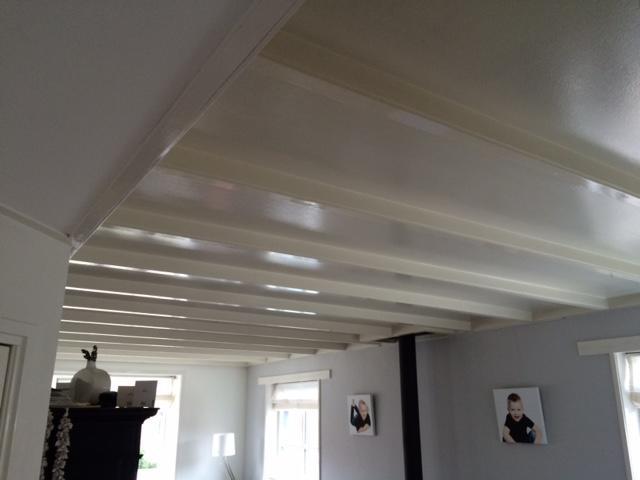 Balken plafond in hoogglans verven werkspot