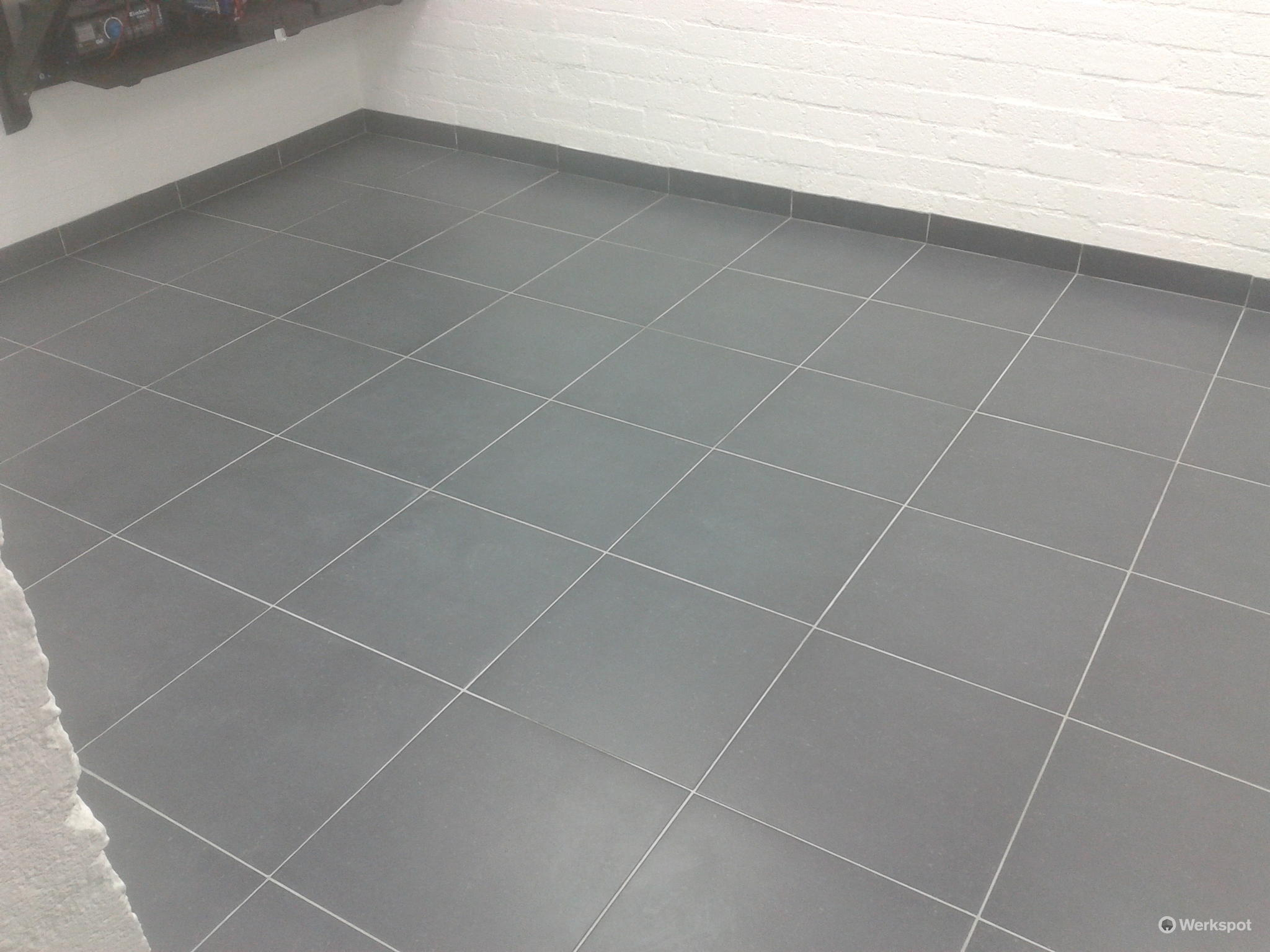 Tegelvloer leggen garage 6x3mtr werkspot - Tegelvloer badkamer ...