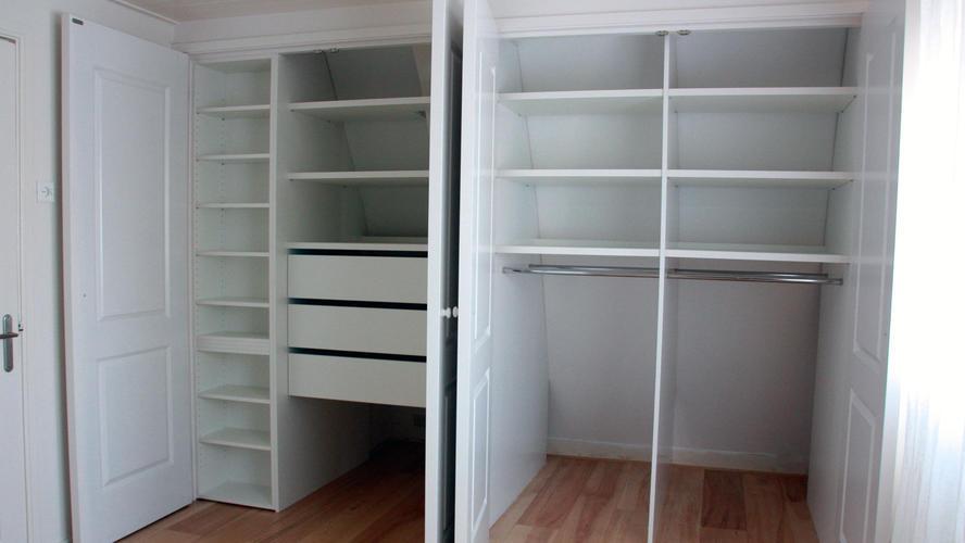 open kledingkast zolder   Werkspot
