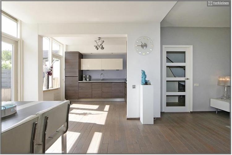 Vloer woonkamer en keuken schuren olien en lakken werkspot