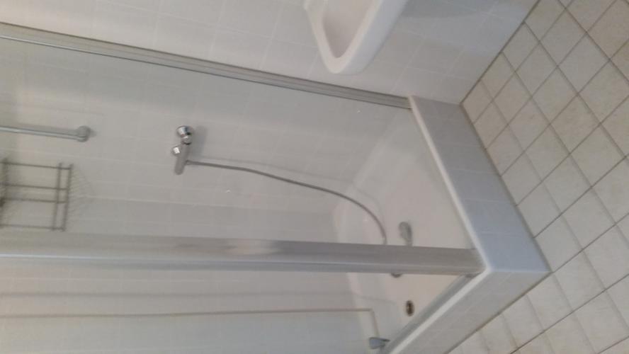2x inbouw toilet plaatsen en tegelen.badkamer en toilet - Werkspot