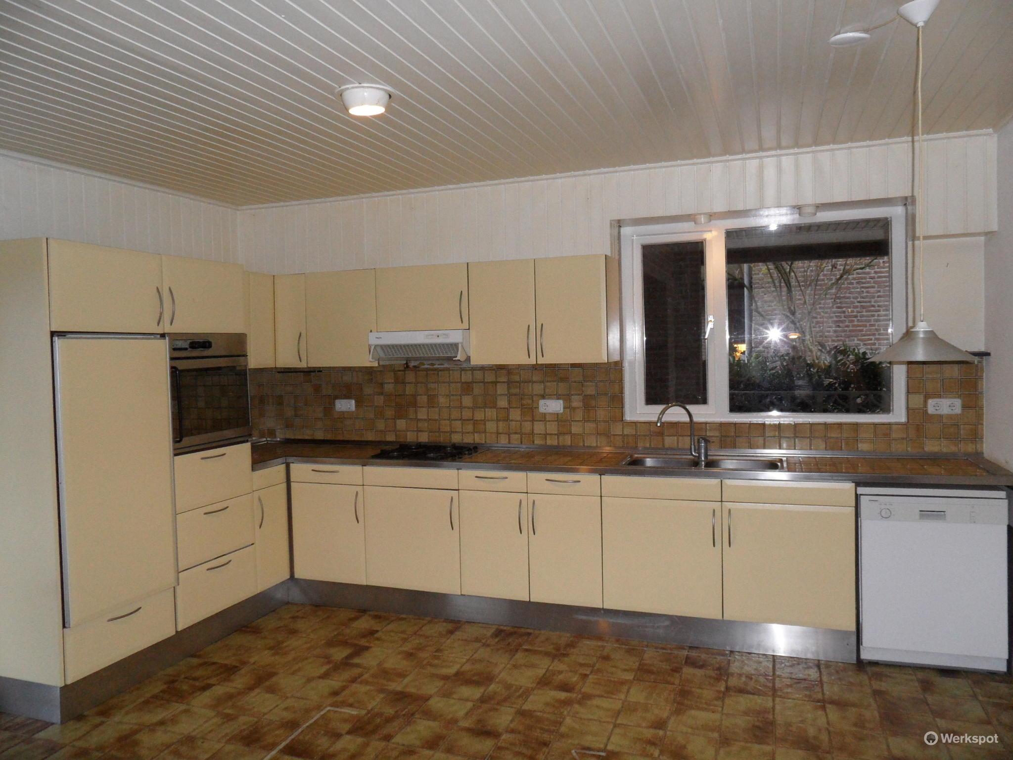 Renoveren badkamer, keuken, toilet, bijkeuken en hal - Werkspot