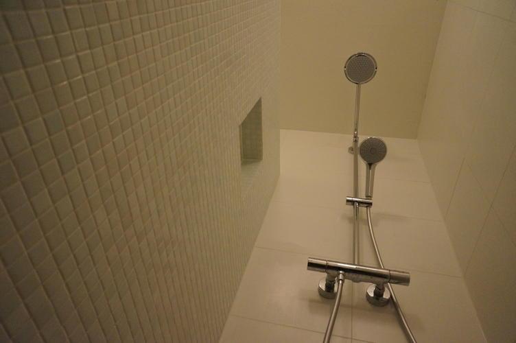 Badkamer Verbouwen Amsterdam : Badkamer verbouwen amsterdam werkspot