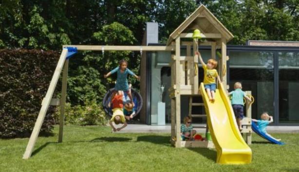 Speeltoestel Kleine Tuin : Houten tuin speelhuis speeltoestel met schommel en glijbaan werkspot