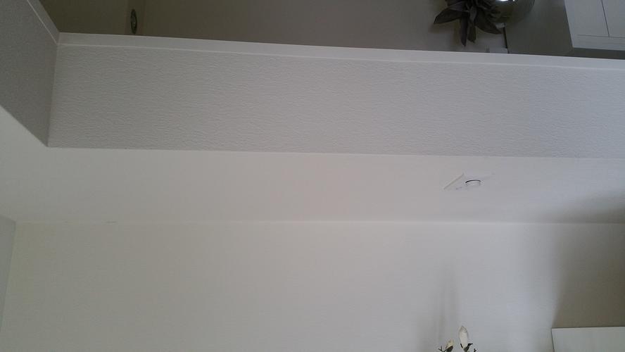 Wanden woonkamer afwerken met glad stucwerk of fijn for Wanden nieuwbouwwoning afwerken