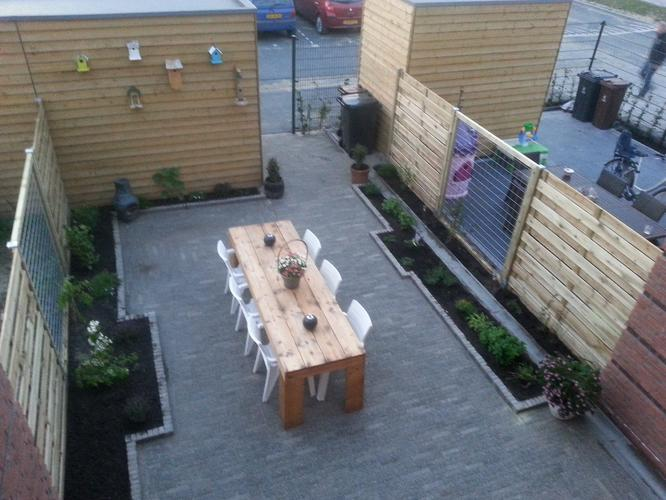 Tuinideeen kleine tuin 5 5 x 9mtr werkspot for Bestrating kleine tuin