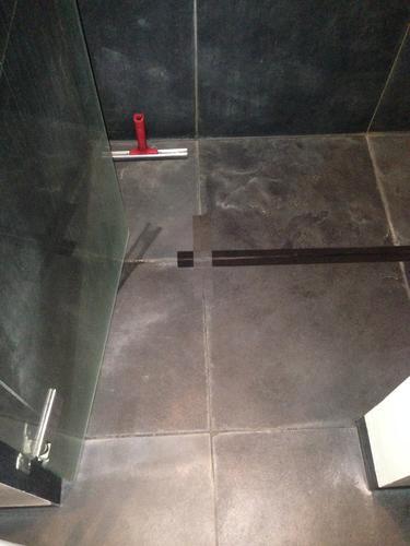 Vloer douche opnieuw betegelen/ leggen in badkamer - Werkspot