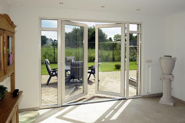 Aanpassen of nieuw plaatsen houten kozijn met openslaande deuren