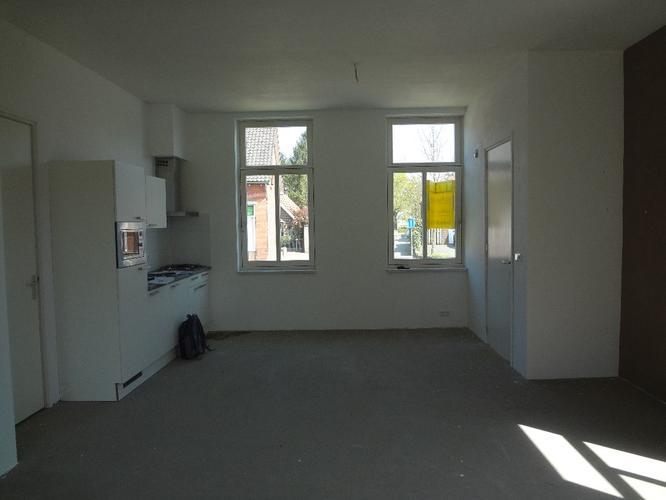 Leggen plak PVC in visgraat + egaliseren betonnen vloer woonkamer ...