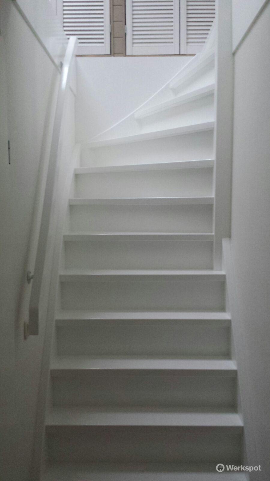 Ontwerpen maken en plaatsen van een vaste trap naar for Van vlizo naar vaste trap