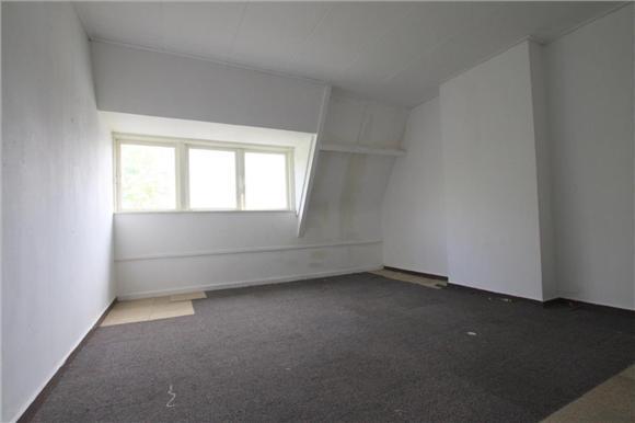 Schilderen muren woonkamer/slaapkamer van lege woning - Werkspot