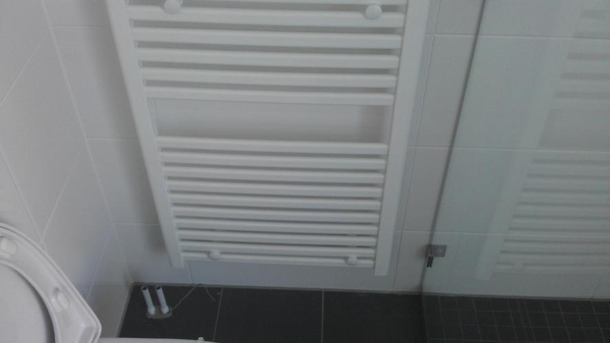radiator aansluiten badkamer  u0026 cv bijvullen