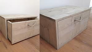 twee houten kisten 73x47x45cm 1 met lade 1 met klep aan voorkant werkspot. Black Bedroom Furniture Sets. Home Design Ideas
