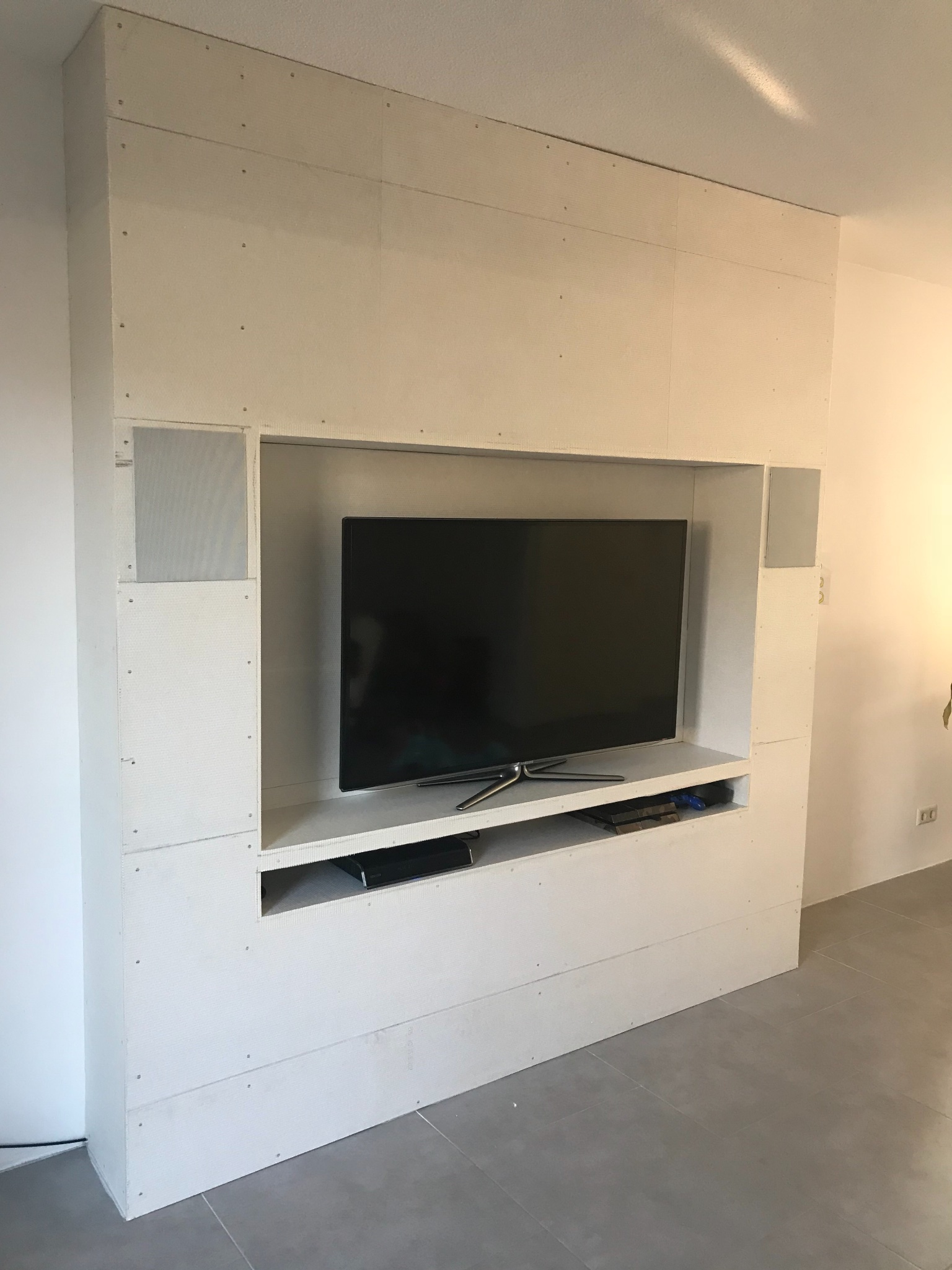 Cinewall Tv Wand Meubel Betegelen 6m2