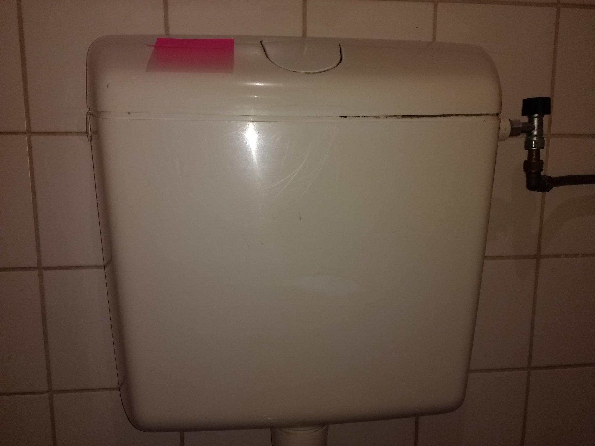 Ouderwetse Stortbak Toilet : Stortbak toilet vervangen werkspot