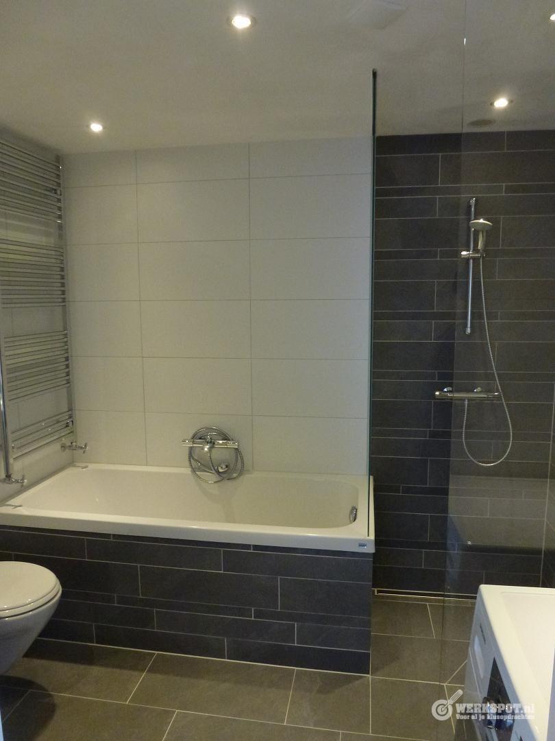 badkamer plaatsen 2,10 x 2,60 x 2,37 - Werkspot
