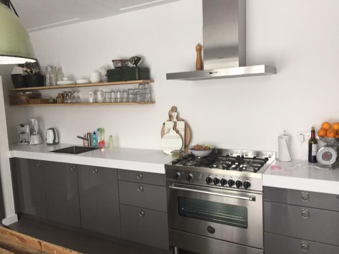 Keuken Witjes Achterwand : Betegelen achterwand keuken met witjes werkspot