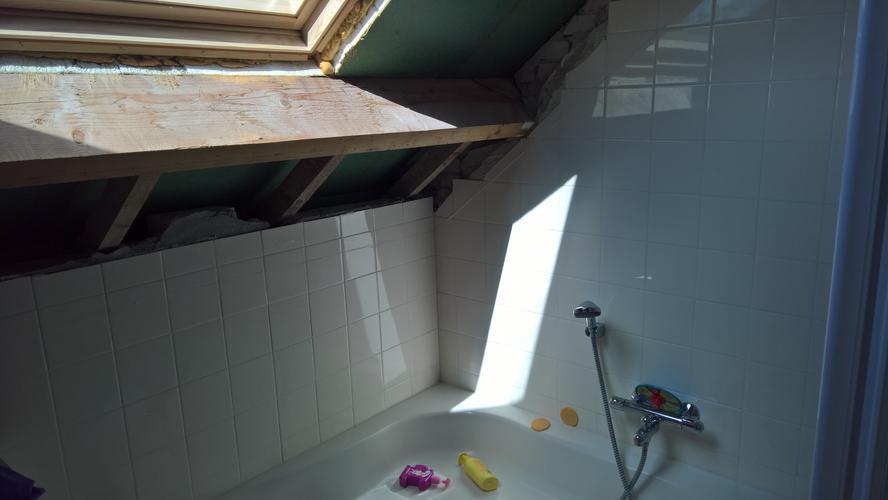 Complete badkamer installeren + dakkapel plaatsen - Werkspot