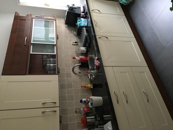Keukendeurtjes Folie Vervangen.Vervangen Spuiten Keukendeurtjes Werkspot