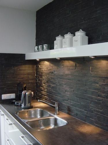 Keuken wand afwerken met steenstrips werkspot - Opnieuw zijn toilet ...
