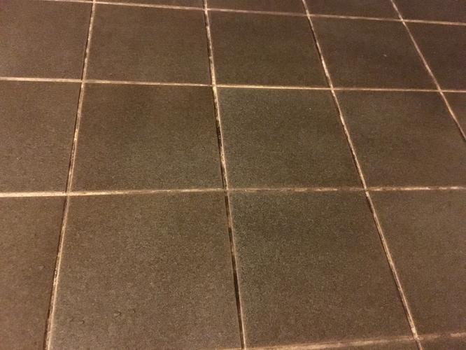 Schimmel Voegen Badkamer : Schimmel verwijderen badkamer voegen witten werkspot