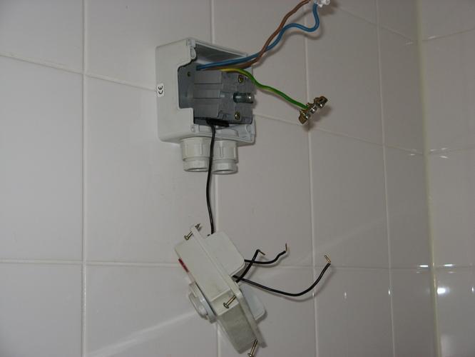 Aansluiten wasmachine en wasdroger op trekschakelaar - Werkspot