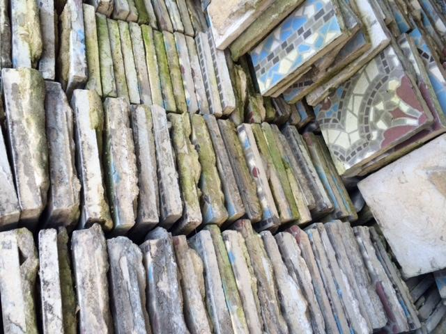 oude tegels schoonmaken van cement werkspot