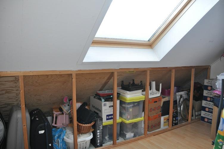 schuifdeuren wand zolder onder schuin dak maken    Werkspot