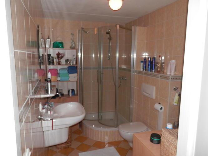 Inloopdouche Met Wastafelkast : Verwijderen oude badkamer en plaatsen nieuwe badkamer werkspot